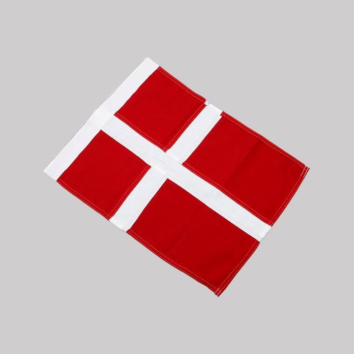 Efterstræbte Små dannebrogsflag PY-69